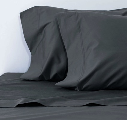 Charcoal bamboo sheets help you detox as you sleep ?!
