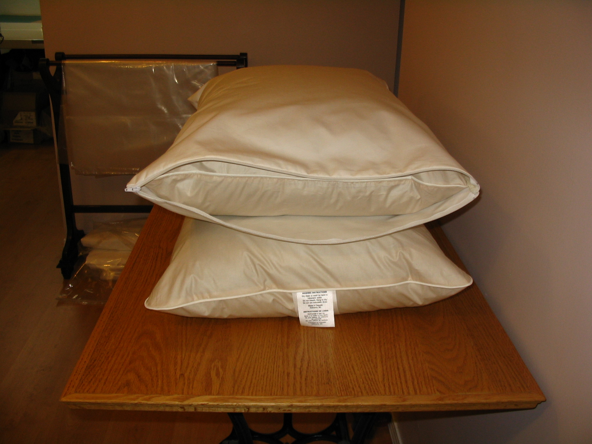 Organic Dust Mite Pillow Encasement - Hypoallergenic, No Plastic