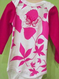 http://www.organiclifestyle.com/components/com_virtuemart/shop_image/product/Butterfly_Onesie_49a5766fce7fd.jpg