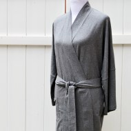 Lightweight bathrobe in Stone Grey